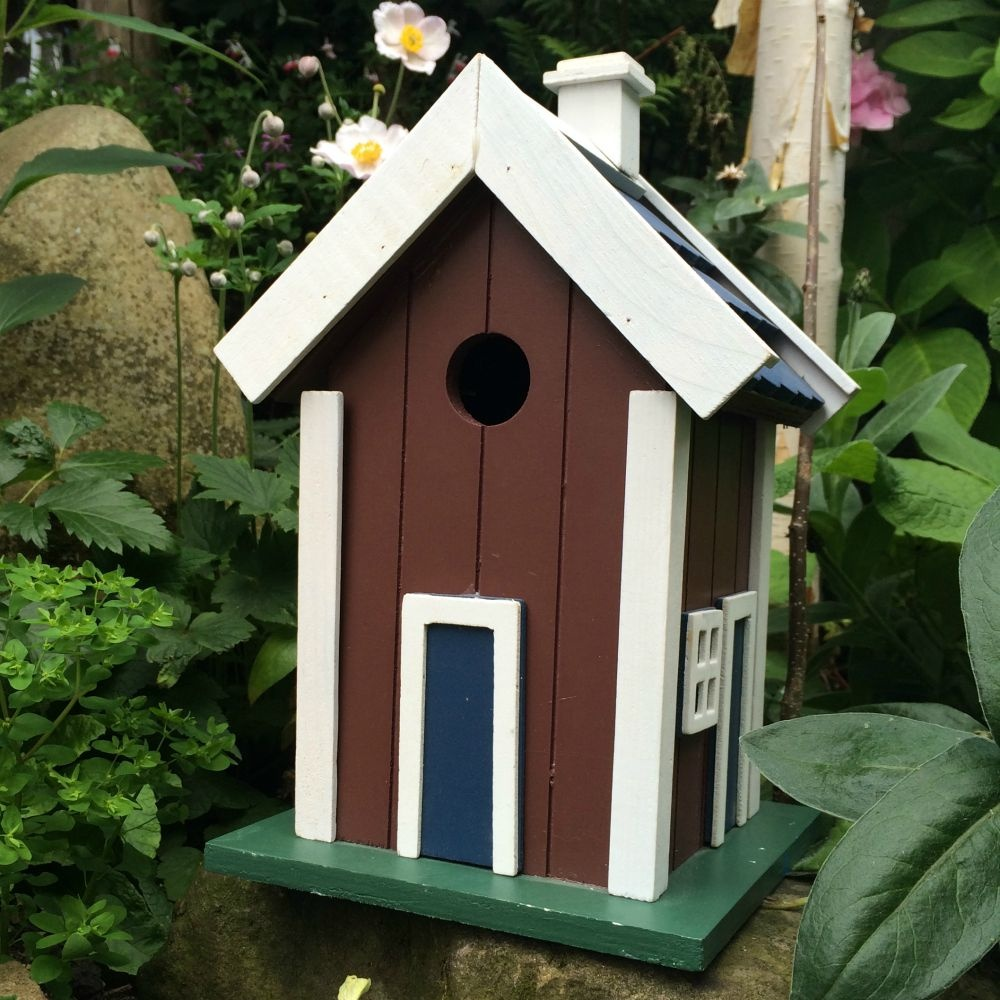 Brown shaker bird house from ruddick garden gifts for Bird house styles