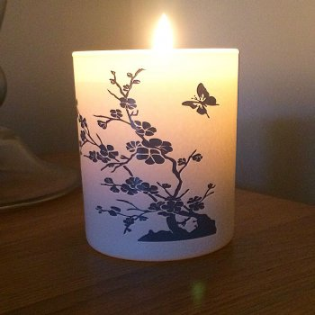 "China Garden ""Crisp Cotton"" - Clean, Fresh Fragranced Candle"